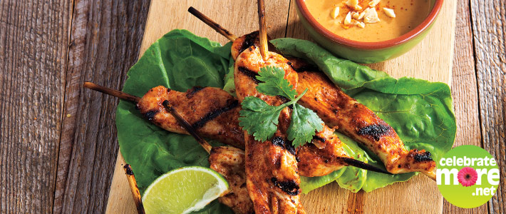 Grilled Chicken Saté with Peanut Dipping Sauce
